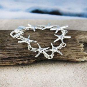 Jewelry - New silver starfish bracelet w magnetic clasp!